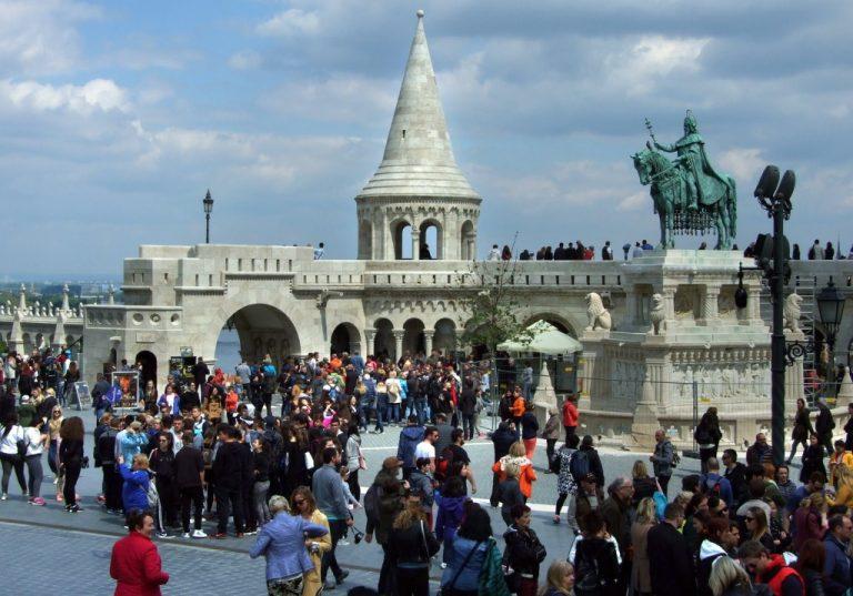 Halászbástya-budai-vár-turizmus-1024x716-768x537